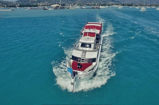 Water Sports Boat Cruise from Phuket ...