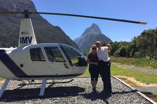 Tour de helicóptero de Milford Sound...
