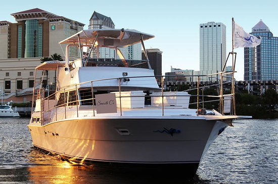 Private Two Hour Yacht Charter in ...