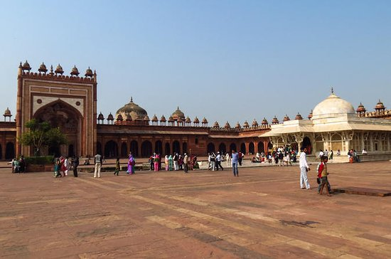 Private Half-Day Tour of Fatehpur...