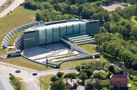 Tallinn Art Tour: Kadriorg Park and...