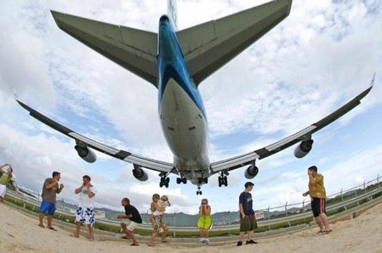 Amazing Plane Spotting at Maho Beach