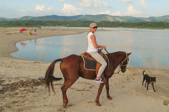 Atotonilco乗馬と温泉ツアー