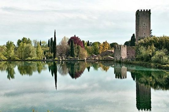 Rome to Garden of Ninfa and Sermoneta