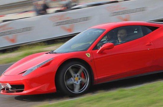 Experiencia de conducción de Ferrari...