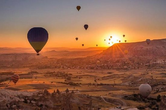 Full-Day Cappadocia Tour med Sunrise...