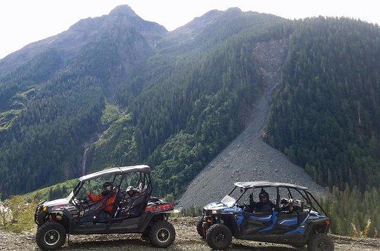 Vancouver Island 4x4 Tour in Nahmint...