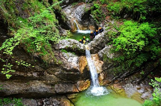 Canyoning in Fratarica Canyon vanuit ...