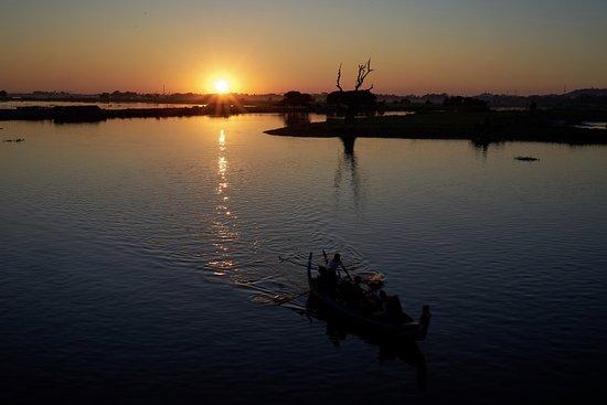 U Bein Bridge: Schöner Sonnenuntergang