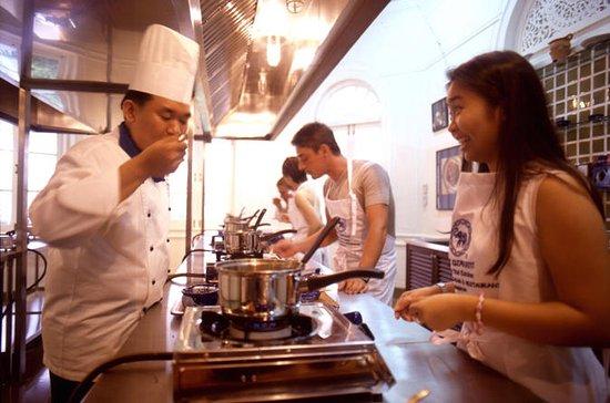 Clase de cocina tailandesa en The...