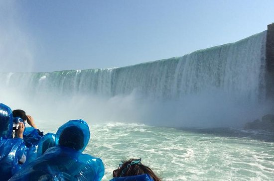 Toronto to Niagara Falls Luxury Private Full-Day Tour