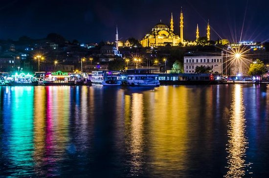 Bosphorus Dinner Cruise with Turkish Night Show from Istanbul