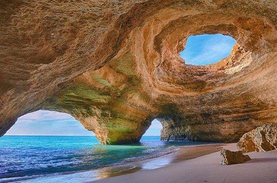Marinha Beach en Benagil Caves by ...