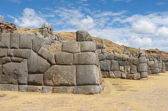 Tour privado de medio día al Cusco y...