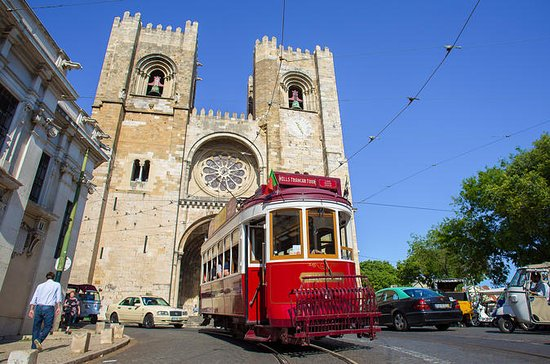 Hills Tramcar Hop-On Hop-Off Tour et spectacle de fado