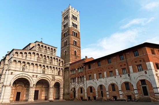Private Half-Day Excursion to Lucca...