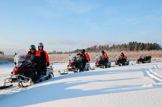 2-Day Snowmobile Safari in Helsinki Archipelago With Overnight Stay...