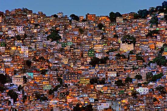 A favela da Rocinha Excursão de meio...
