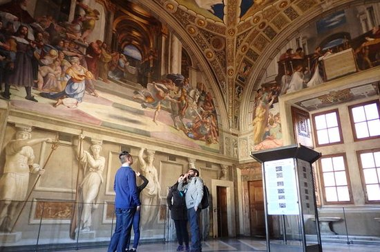 Early Morning Vatican Truly Small Group Tour