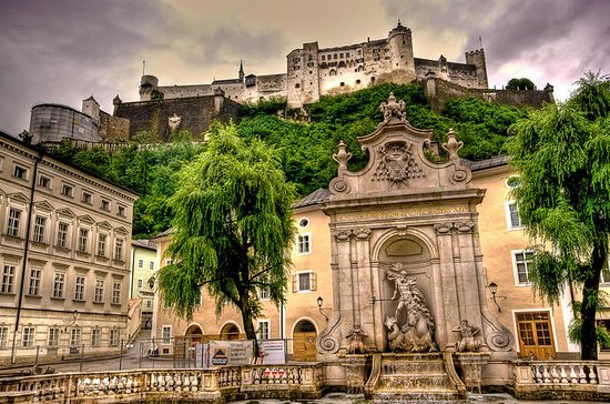Private full day tour to Salzburg...