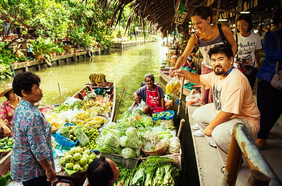 Private Tour: Weekend Floating Market...