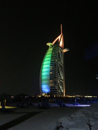 فندق جميرا بيتش: Vistas del hotel Burj al Arab
