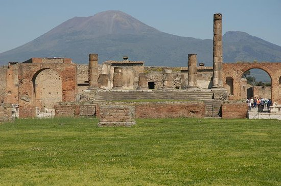 Pompeii and Mount Vesuvius Day Trip ...