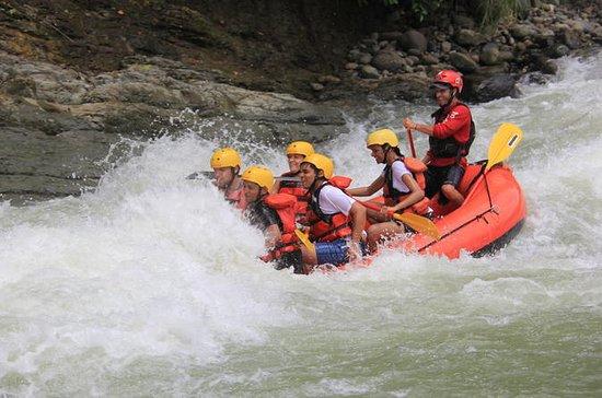 Excursión de rafting por el río...