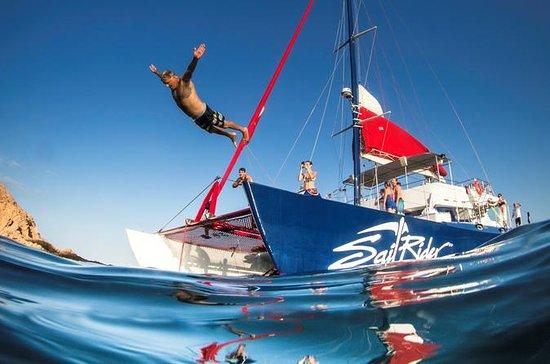 Passeio de Vela com Snorkel e Almoço