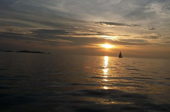 Small-Group Sunset Sailing Trip from ...