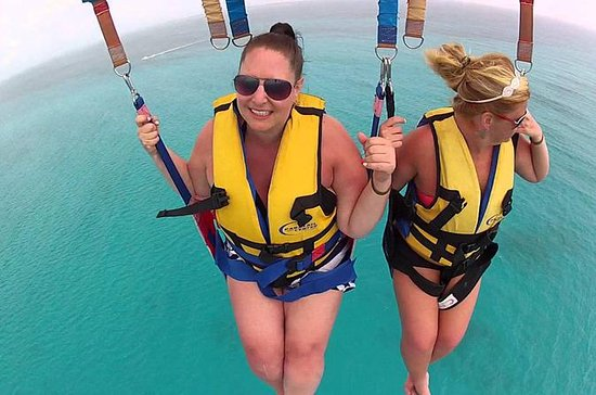 Parasailing Yacht Experience in Punta ...