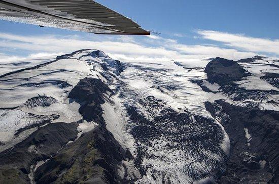 30-Minute Eyjafjallajökull Volcano Sightseeing Flight from Bakki...