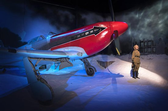 Dangerous Skies WWII Exhibition at...