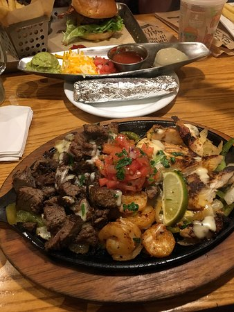 Chili's Bar & Grill - International Drive: photo0.jpg