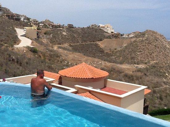 Montecristo Estates Pueblo Bonito: Enjoying your own pool!