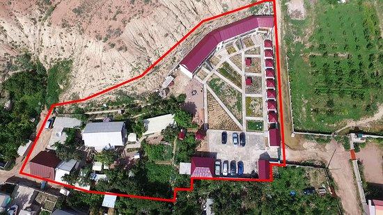 """Kaji-Say, Kirguistán: Отель """"NataliA"""" отдых на озере Иссык-Куль, фотография территории сверху"""