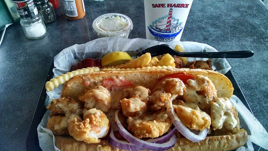 Atlantic Beach, Floride : Shrimp poboy sandwich..