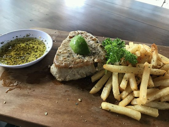 Grilled fish foto di table 9 restaurant kuta tripadvisor for Table 9 menu