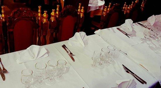 Koh-I-Noor : Présentation des tables