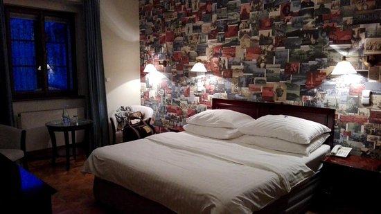 Lokal Inn Photo