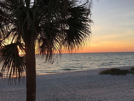 The Diplomat Condominium Beach Resort: photo0.jpg