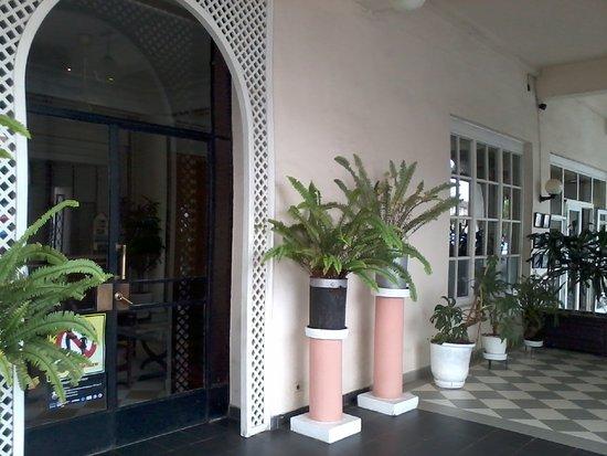 Hotel de france antananarivo madagaskar hotel for Au jardin d antanimena