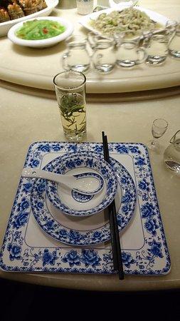 Bengbu, China: 餐具擺飾很雅致