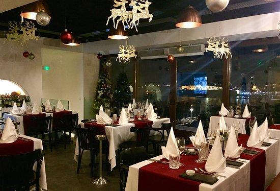 PANORAMA Restaurant, Bar & Lounge: Panorama Dress Up!