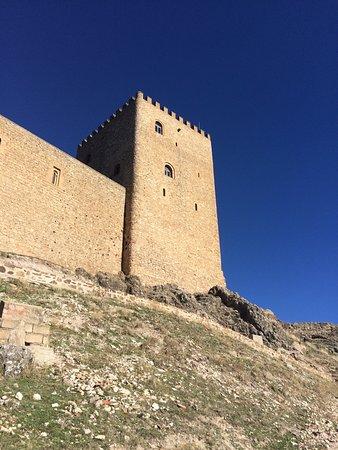 Castillo de Segura de La Sierra: photo2.jpg