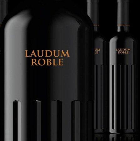 Alberic, Испания: Laudum Roble, excelente vino de nuestra tierra