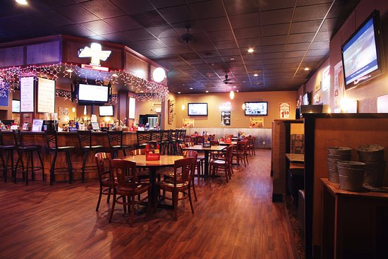 Carroll, IA: Charlie's Steakhouse and Bar