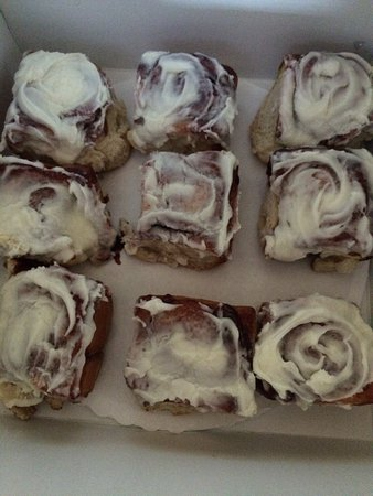 Pronia's Deli: These cinnamon rolls are just like my Great Grandma's!