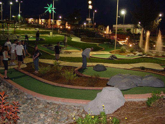 Shasta Lake, Kalifornien: Mini Golf