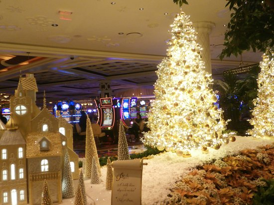 lakeside wynn las vegas christmas decorations